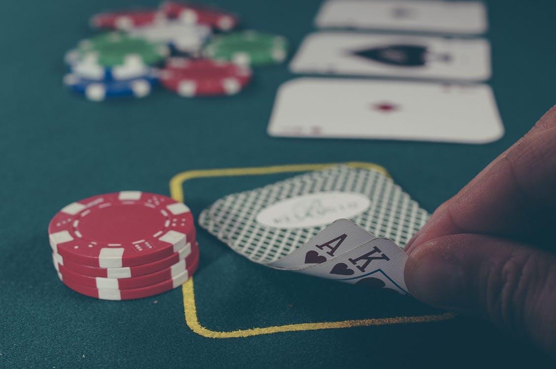 Poker er et meget populært online casino spil